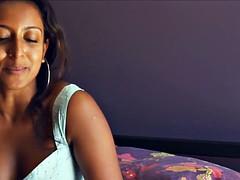 Extravagant ebony babe gets..