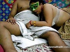 Chubby Bore Velamma Bhabhi..