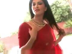Sunny Leone Copulation Tips..