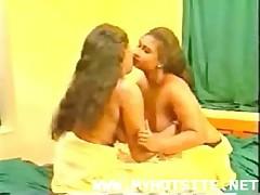 Indian Lesbiens, Desi..